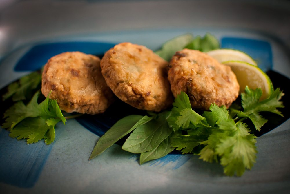Mild Thai fish cakes that can be made without a processor or deep fryer! One of a series of easy and flavoursome half hour family recipes using 10 ingredients.