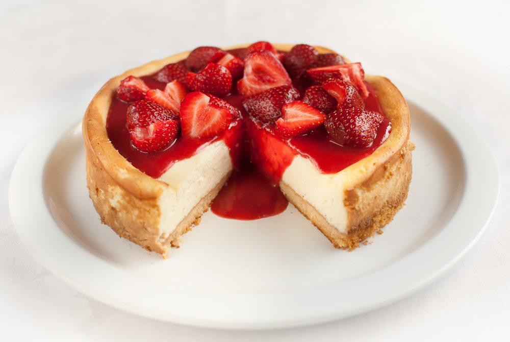 Light and Creamy Strawberry Cheesecake