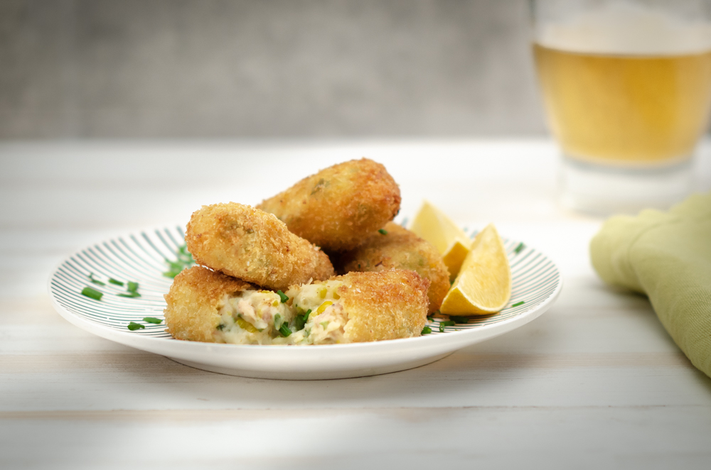 Your favourite combo, tuna and sweetcorn, now brought to you in the form of delectible croquetas!
